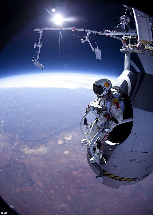 Felix Baumgartner about to take the plunge